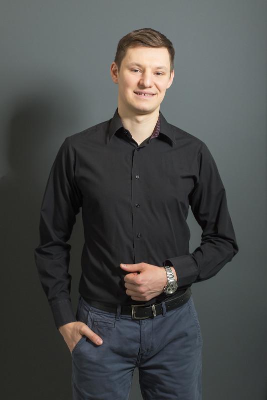 dr Jarosław Karowiec